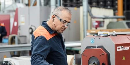 Fatmir Vehapi, Spezialist für Langgutbearbeitung